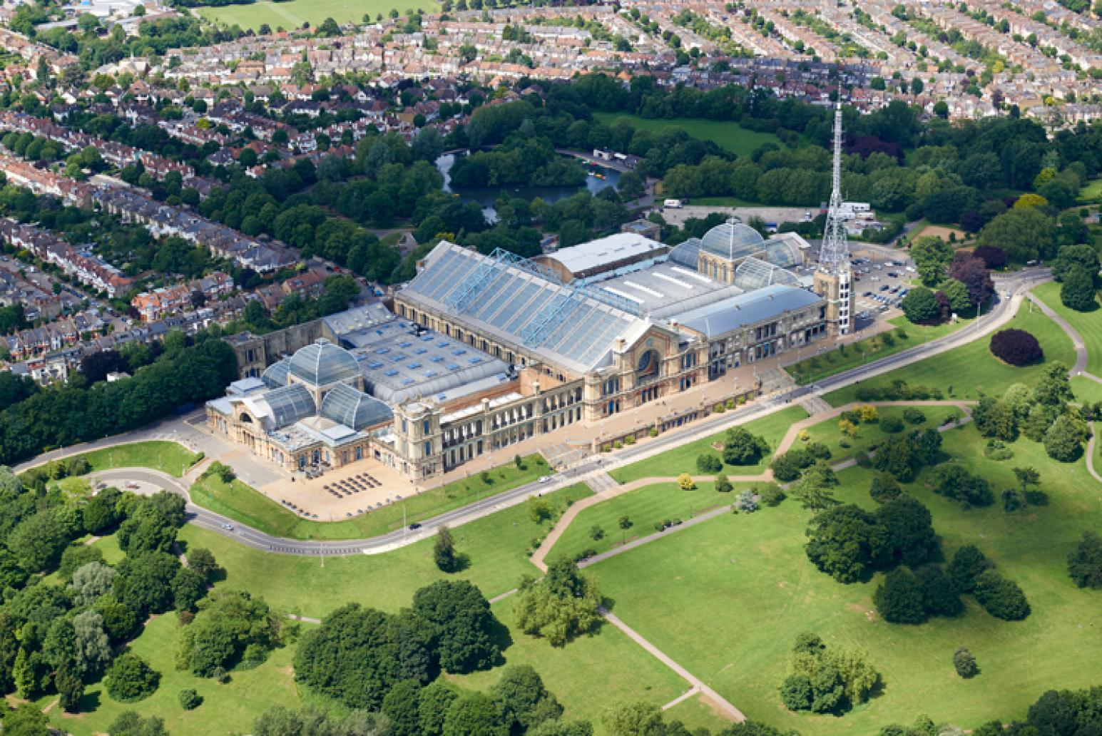 Ally Pally is set in 196 acres of Grade II-listed parkland, with ample outdoor space for your guests to enjoy.