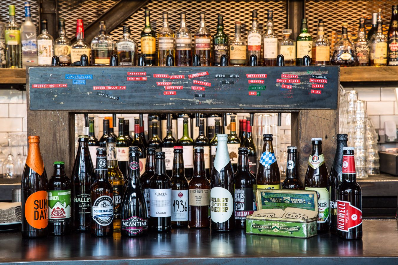 The Elgin works with independent British breweries and has a tasty menu that changes with the seasons.