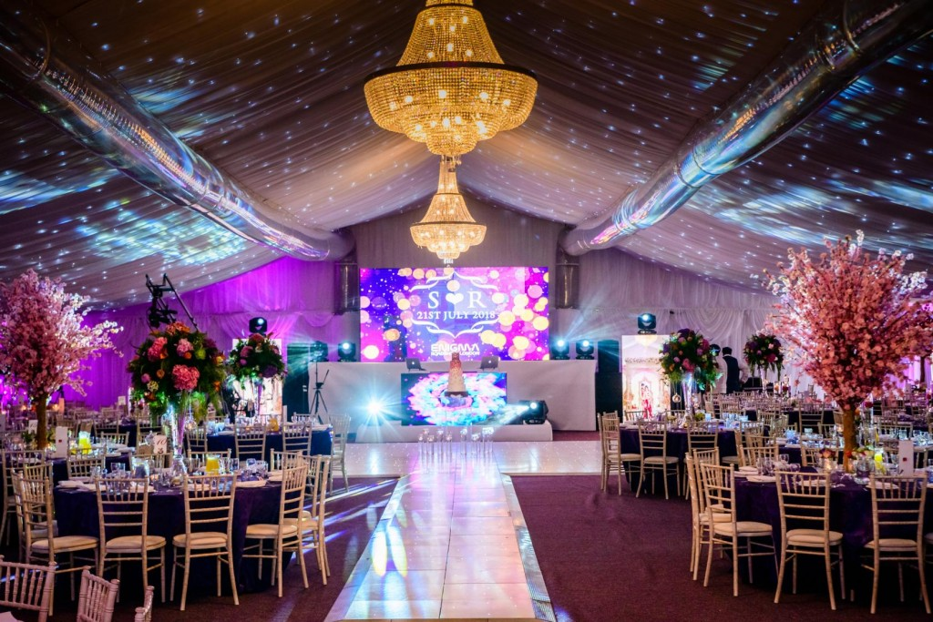 Stockley Park Golf Club is a popular Middlesex venue for large Asian wedding receptions.
