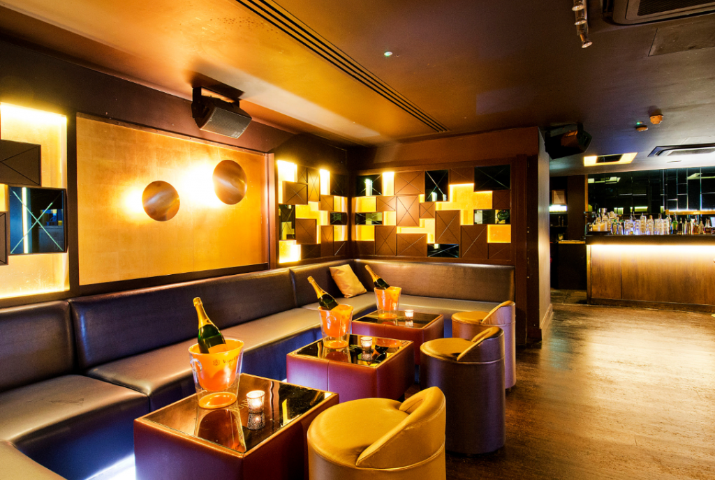 Juju Chelsea is a late night bar suitable for various events.