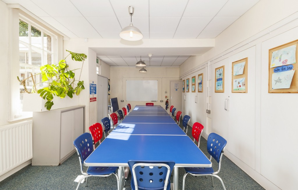 The Art Room at Katherine Low Settlement is a cheap meeting space in the Chelsea area.