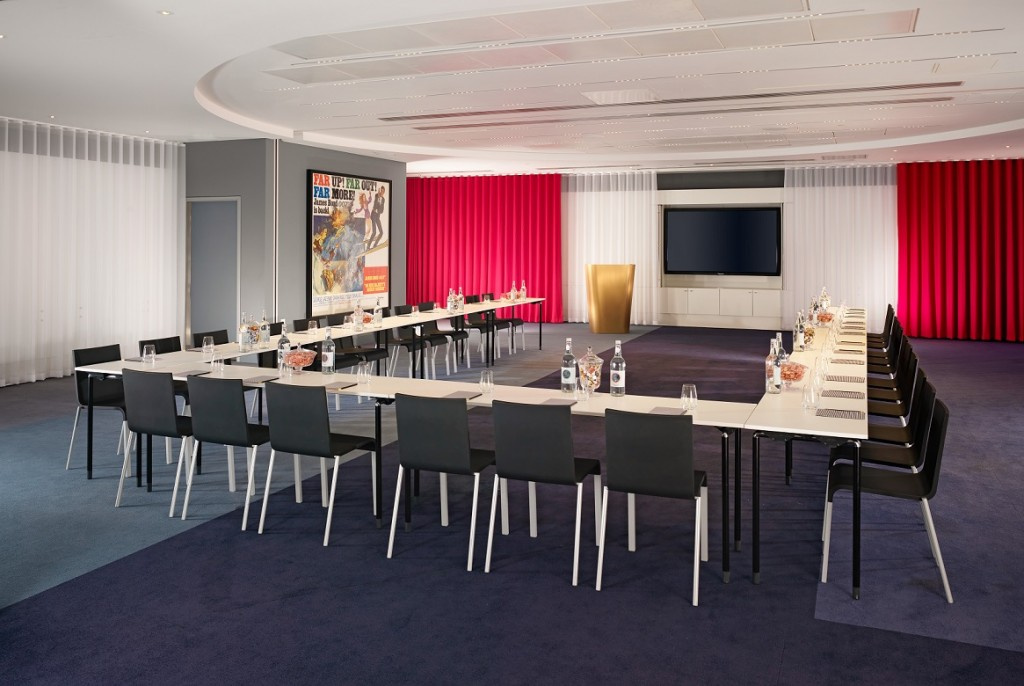 Four multi-service meeting rooms can be combined to your specification to provide over 3,300 square foot of event space for up to 275 guests.