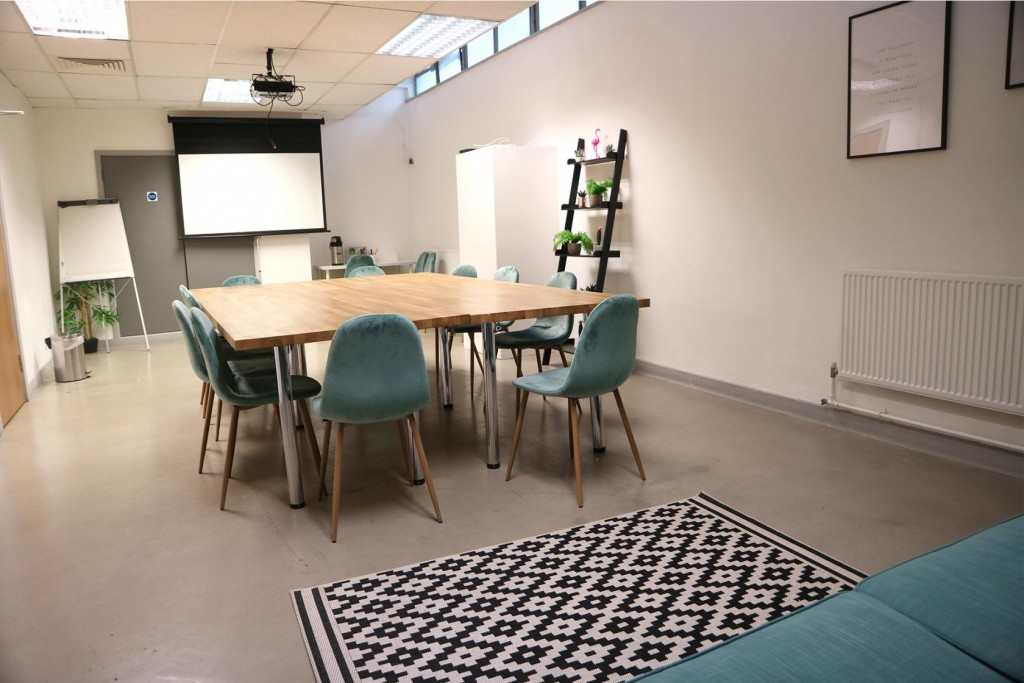 Discover the best meeting rooms for hire in London with Tagvenue. Compare prices and book online!