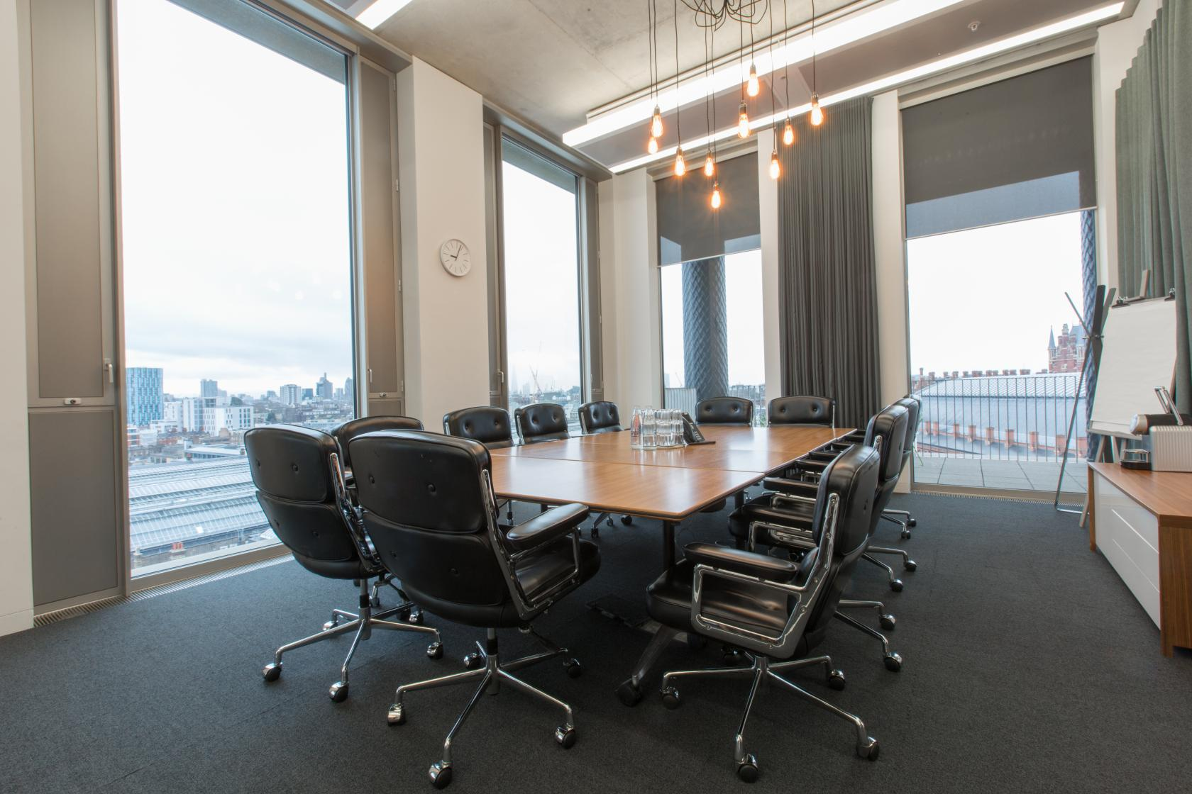 Gridiron offers a selection of meeting rooms boasting amazing views of the city of London