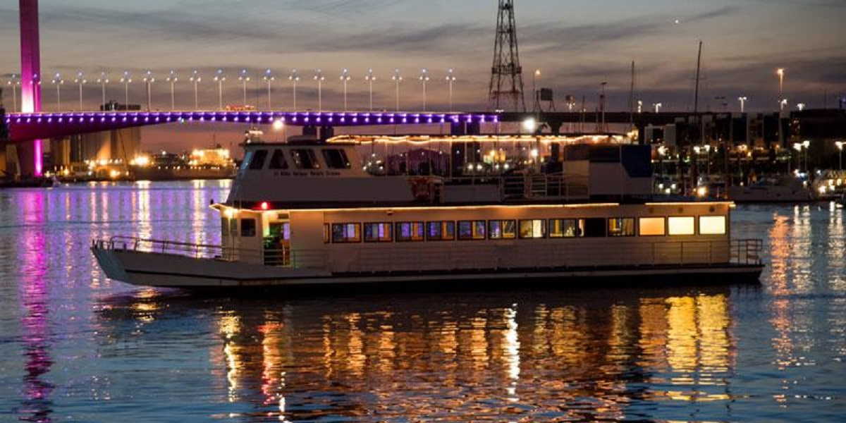 Take your team on a dreamy boat cruise with Dreamscape!