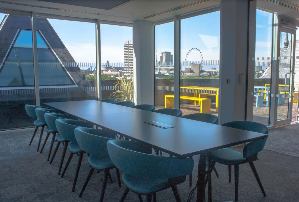 Sixth Floor Meeting Rooms at 58VE offers great sights of the Thames and London's skyline