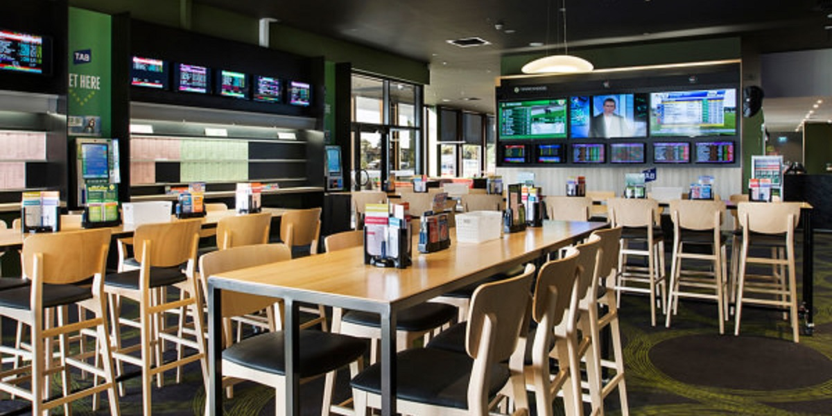 Plaza Tavern is a cool Werribee spot to watch sports together with your team.