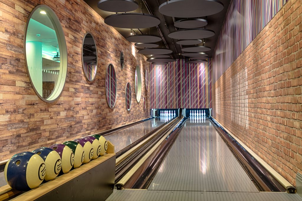 6289 Bowling Alley Room